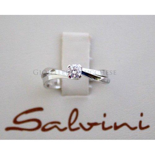 Anello solitario SALVINI in oro bianco e diamati Ct 0,23 Ref.20011311